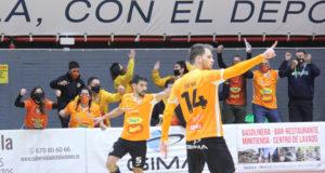Alegría entre los jugadores del Aspil Jumpers Ribera Navarra