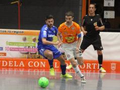 Un momento del partido entre el Ribera Navarra FS y el Betis Futsal