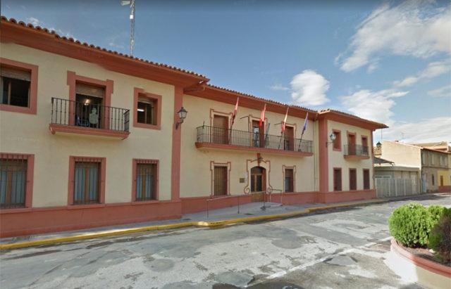 El ayuntamiento de Castejón está llevando a cabo trabajos de desinfección estos días por el coronavirus