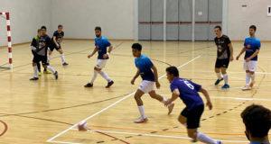 Ataque de un jugador del CD Olite FS en el área del GCH Garbayo Chivite Cintruénigo FS
