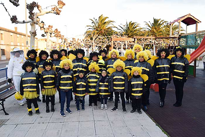 Tras El Desfile Merienda En El Club Juvenil De Cabanillas La Voz