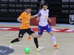 Un momento del partido entre el Fútbol Emotion Zaragoza y el Aspil Jumpers Ribera Navarra