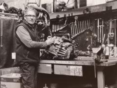 José Luis Sanz, en su taller de la carretera Alfaro