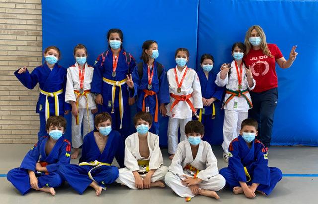Algunos de los benjamines del Ribera Navarra de Judo que acudieron a Mendillorri
