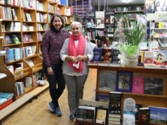 Rosa Mari Zudaire e Ilenka Mazo, responsables de la librería Julio Mazo