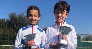 El cirbonero, Adrián García, se ha proclamado recientemente Campeón de Navarra 2020 de tenis en categoría alevín masculino y la tudelana, María Trujillo, Sub-Campeona de Navarra de la misma categoría femenina en el Campeonato celebrado en las instalaciones de la C.D. Amaya de Pamplona