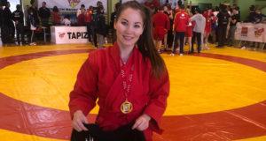 La deportista del Judo Club Ribera Navarra, Mariya Kirbizekhova, medalla de oro en el campeonato de Madrid de Lucha Sambo