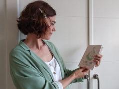 """Marta Pérez, autora de """"La niña que llegó con un futuro bajo el brazo y otros relatos seudomaternales"""""""