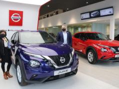 Los asesores comerciales de Unsain Motor junto al nuevo JUKE