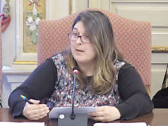 Olga Risueño interviene en el pleno del ayuntamiento de Tudela