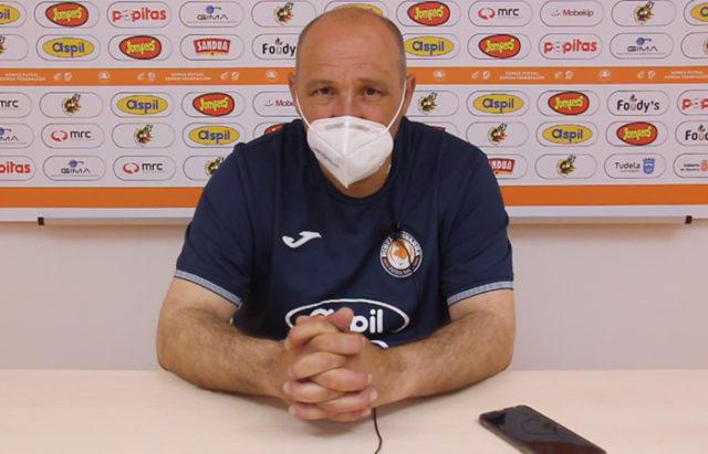 José Lucas Mena 'Pato', entrenador del Aspil Jumpers Ribera Navarra FS