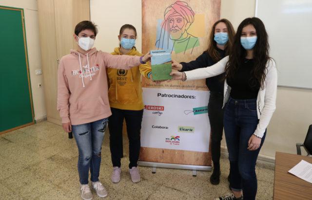 Maite Vega, Sara Igea, Luz Garde y Carmen Jiménez, miembros del Jurado del Premio de Novela del IES Benjamín de Tudela