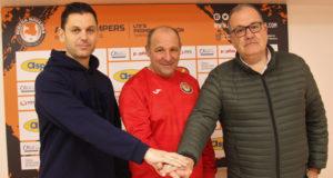 Samuel Pozo, director deportivo, José Lucas Mena 'Pato' y Alberto Ramírez, presidente del Ribera Navarra FS. Imagen de archivo