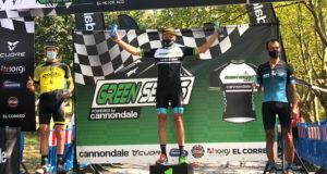 Tito Espada en el podium en Bilbao