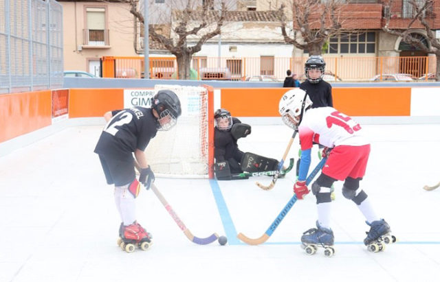 Uno de los encuentros disputados por el Tudela Hockey Club el 7 de marzo