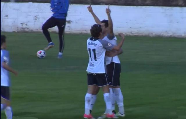 Los jugadores del Tudelano celebran el gol