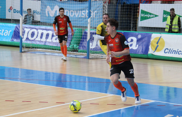 El tudelano Eugenio Miramón Clavijo 'Uge' seguirá ligado al Aspil-Jumpers Ribera Navarra FS hasta 2023