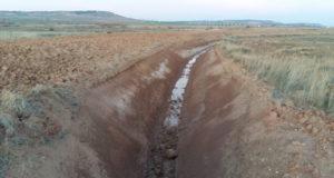 Zanja de drenaje en la Laguna de Bajabón, en Ablitas