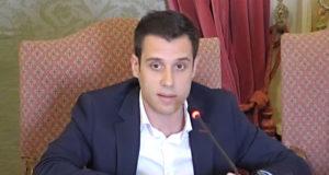 Zeus Pérez durante su intervención ante el pleno en el que se trató el asunto de las Casa de Apuestas