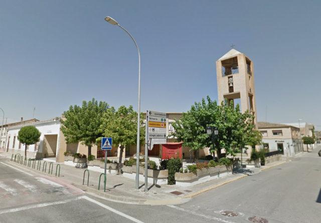 Iglesia de la localidad de Cabanillas en la Ribera de Navarra cerca de Tudela