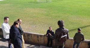 Un grupo de parlamentarios visita el estadio Ciudad de Tudela
