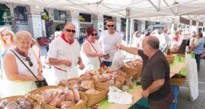 El mercado de alimentos artesanos, organizado por la Beterri