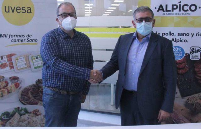 Alberto Ramírez Arregui, presidentedel club Ribera Navarra FS, y Raúl Gómez Arranz, director general de Grupo Uvesa
